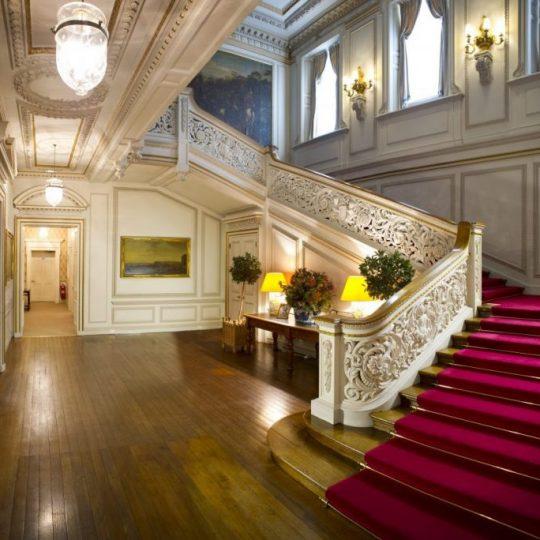 Grand Staircse